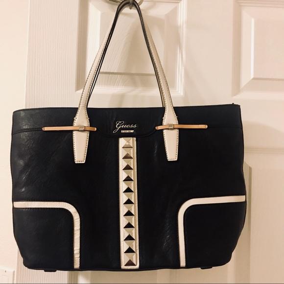 Guess Bags   Black Tote With Zipper   Poshmark 590a15cd8e
